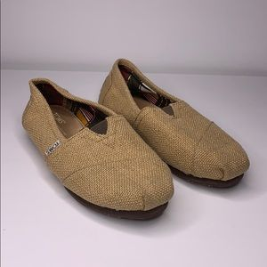 Toms tan burlap slip on shoes